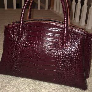 IACUCCI leather handbag. Used one time!